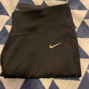 Nike Capri dri-fit leggings